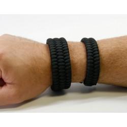Bracelet Trilobite à gauche comparé au bracelet Fishtail à droite